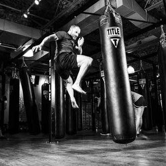 500_kickboxer_flying_kick